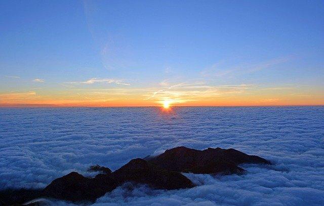 sunrise-1809178_640.jpg