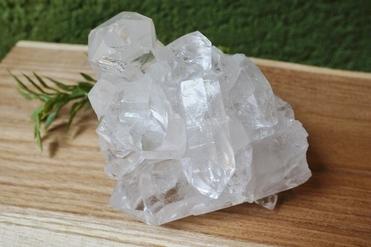 ブラジル産 水晶クラスター